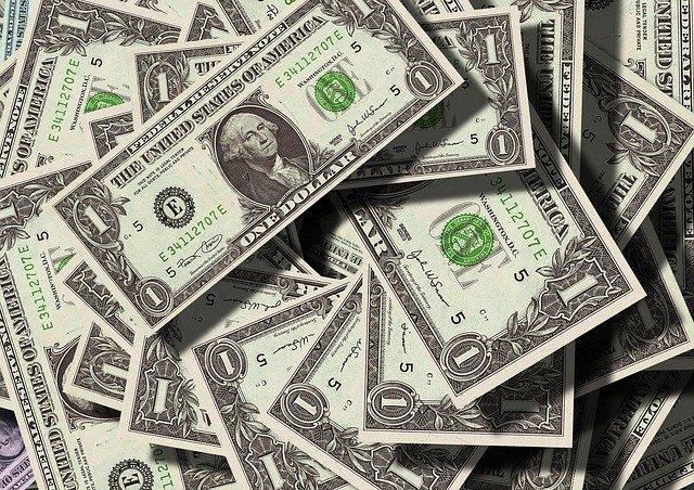 Dolares Americanos: Ejemplo de dinero fiduciario